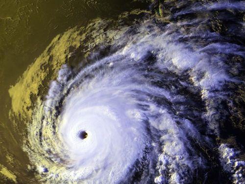 Cơn bão khủng khiếp trong lịch sử sát hại cả 500.000 người
