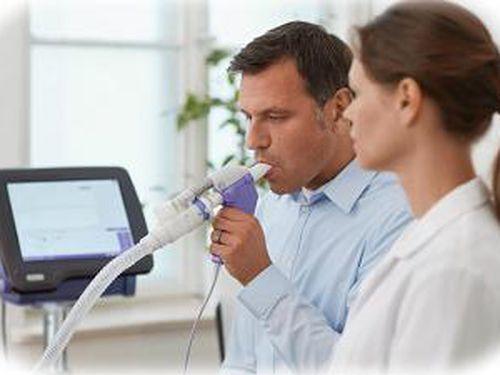 Đo chức năng hô hấp trong chẩn đoán bệnh phổi tắc nghẽn mãn tính (COPD)