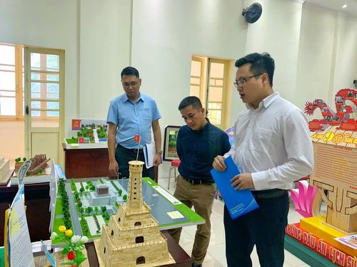 Công bố kết quả Cuộc thi thiết kế mô hình 'Tìm hiểu 90 năm lịch sử Đảng bộ thành phố Hà Nội'