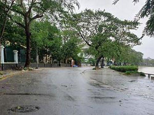 Bão số 13: Thừa Thiên Huế cấm người dân ra đường từ 12h00 ngày 14/11