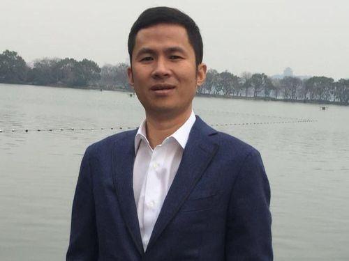 Gia thế của doanh nhân Trung Quốc bị đâm ở Hong Kong