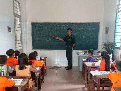 Người thầy của trẻ em nghèo Bến Lức