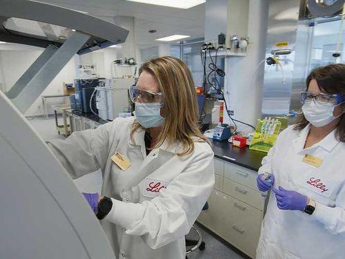 Mỹ cấp phép sử dụng khẩn cấp kháng thể Regeneron để điều trị bệnh COVID-19
