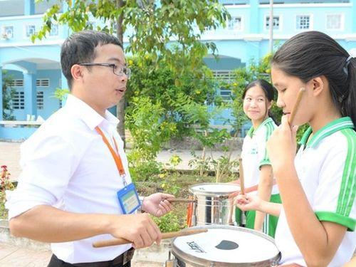 Thầy giáo trẻ rời quê hương 'Nam tiến' gắn bó với học trò dân tộc