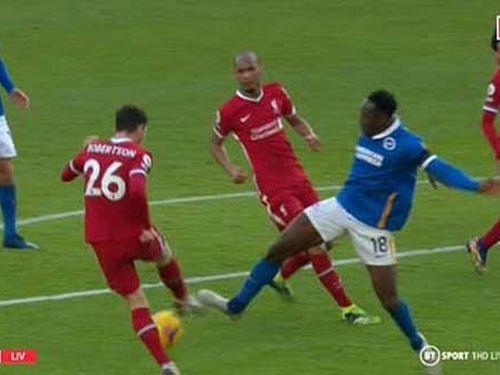 Henderson: 'Ngay cả Welbeck cũng bảo Liverpool không đáng bị penalty'