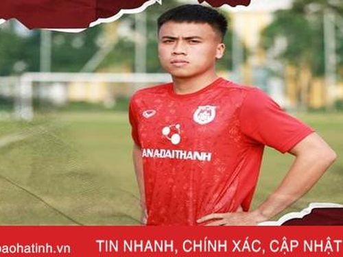 Hậu vệ người Hà Tĩnh Phan Bá Hoàng trở lại với bóng đá sau khi làm shipper