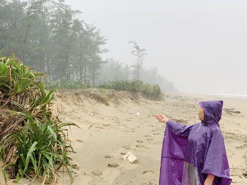Biển lấn làng, hàng ngàn hộ dân sống trong bất an
