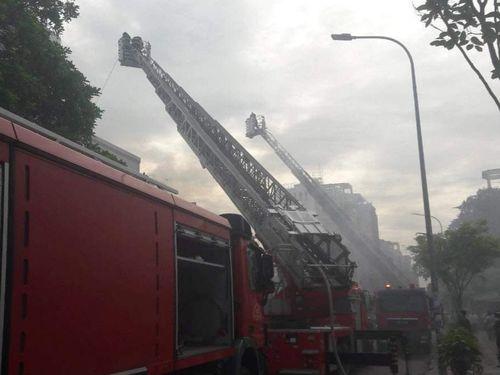 Cháy nhà giữa trung tâm TP Hồ Chí Minh, hai người mắc kẹt được giải cứu