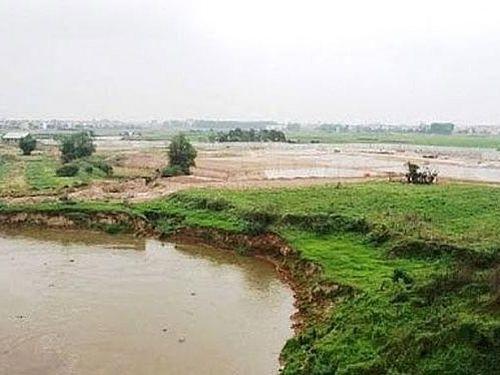 Công bố tình trạng khẩn cấp sự cố sạt lở đê sông Cà Lồ, sông Đáy và bờ sông Đuống