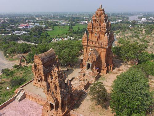Tháp Po Klong Garai: Biểu tượng tâm linh của người Chăm Ninh Thuận