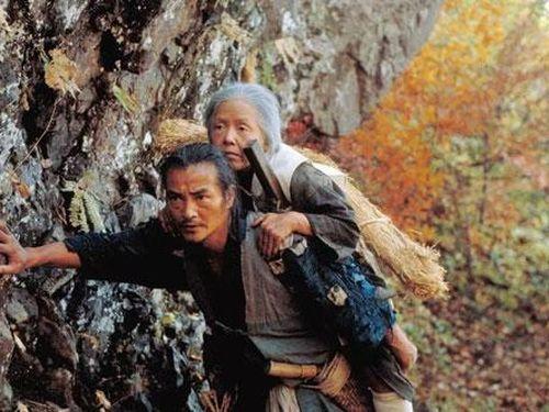 Tập tục 'Cõng mẹ bỏ mặc trên núi' của người Nhật Bản: Tục lệ tàn nhẫn ngày xưa có thật hay không mà khiến một bộ phận hậu thế bắt chước?