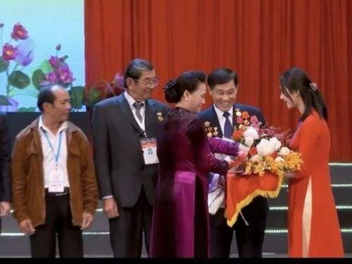 Doanh nhân Johnathan Hạnh Nguyễn đại diện kiều bào tham dự Đại hội Thi đua yêu nước toàn quốc lần thứ X
