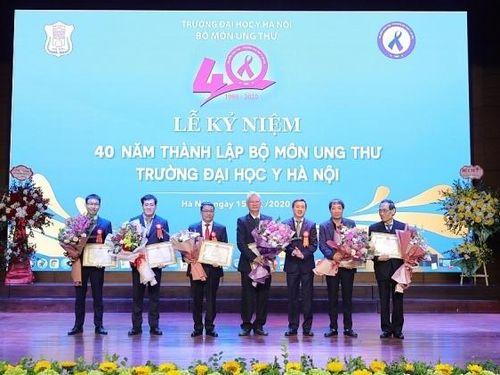 Kỷ niệm 40 năm Ngày thành lập Bộ môn Ung thư Trường đại học Y Hà Nội