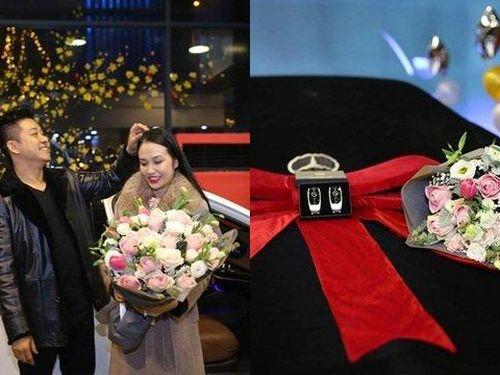 Bóc giá dàn xế hộp chồng 'soái ca' Tuấn Hưng tặng vợ