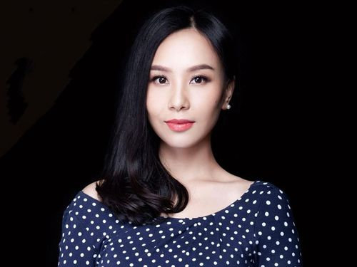 Ái nữ tỷ phú Trung Quốc giấu danh tính trước khi kế nghiệp