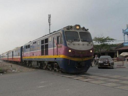 Tàu nào được ưu tiên trên đường sắt quốc gia?