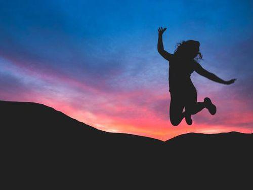 Công thức luôn đúng để bạn vượt qua mọi khó khăn trong cuộc sống: Tự kiểm - Thay đổi - Từ bỏ