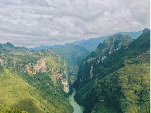 Hà Giang: Sông Nho Quế mùa biếc xanh hấp dẫn du khách