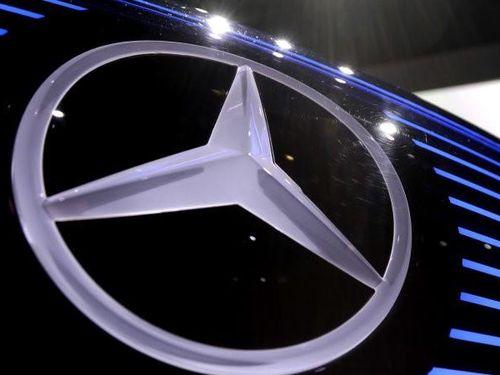 Daimler Trucks bị phạt tới 30 triệu USD do chậm thu hồi