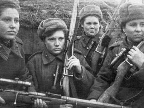 Bất khuất nữ chiến binh XôViết trong chiến tranh vệ quốc