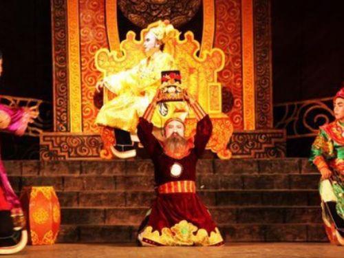 Ông vua Việt sét đánh không chết là ai?