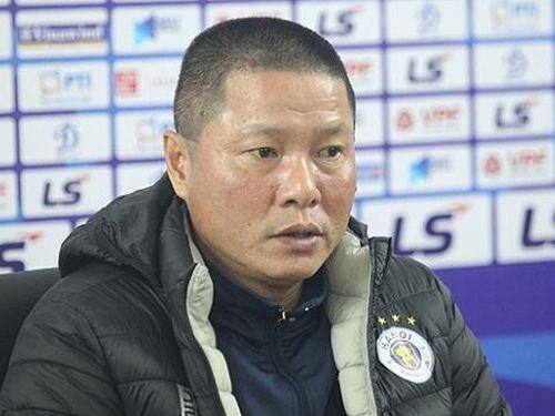 HLV Chu Đình Nghiêm: 'CLB Hà Nội có thể rơi vào nhóm trụ hạng'