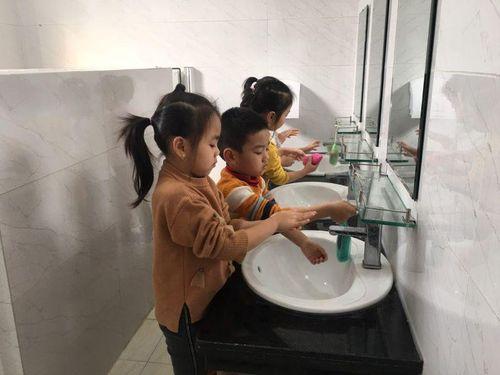 Hà Nội: Các trường mầm non, phổ thông kích hoạt biện pháp phòng, chống Covid-19