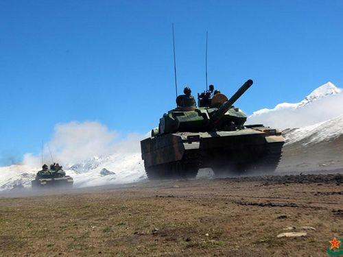 Trung Quốc biên chế xe tăng Type-15 mới cho lực lượng gần Ấn Độ