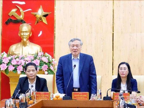 Chánh án Tòa án Nhân dân tối cao và Trưởng Ban Kinh tế Trung ương làm việc tại Quảng Ngãi