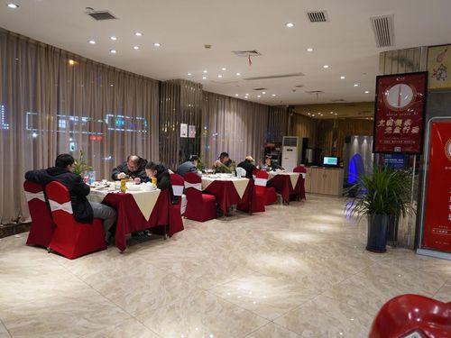 Cơm tất niên phục vụ tại nhà – dịch vụ Tết nở rộ tại Trung Quốc mùa dịch
