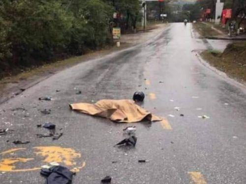 Bố tử vong, con gái trọng thương sau va chạm với ô tô ngày cận Tết