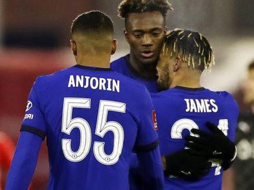 Chelsea trừng phạt chủ nhà Barnsley, mơ xa bán kết FA Cup