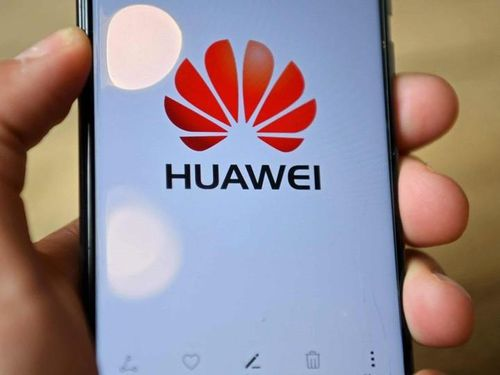 Nhận tài trợ từ Huawei, Canada bị dư luận chỉ trích