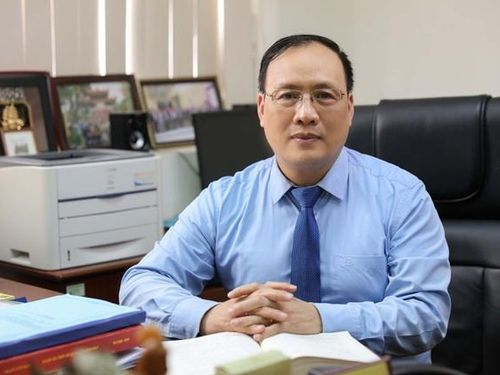 Giáo sư Việt đầu tiên trở thành thành viên ban biên tập tạp chí quốc tế ISI nổi tiếng là ai?