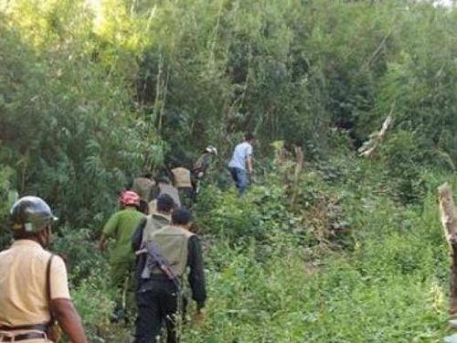 Truy bắt nghi phạm đâm 4 người rồi trốn vào rừng