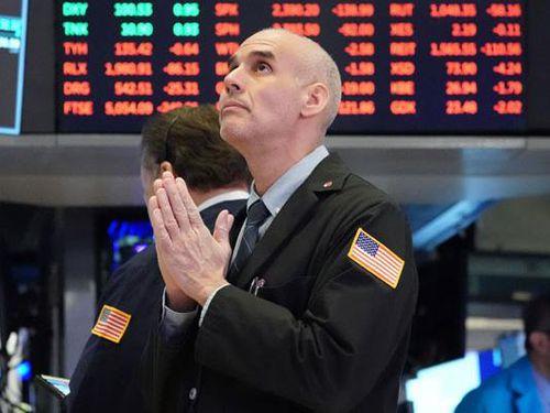 Lợi suất trái phiếu Mỹ tăng nhanh ép S&P 500 và Nasdaq tụt điểm