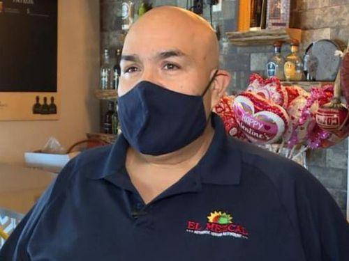 Chủ nhà hàng bỏ tiền giúp đối thủ vượt qua đại dịch
