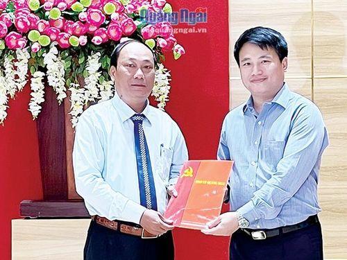 Đồng chí Nguyễn Quốc Việt giữ chức Bí thư Huyện ủy Lý Sơn