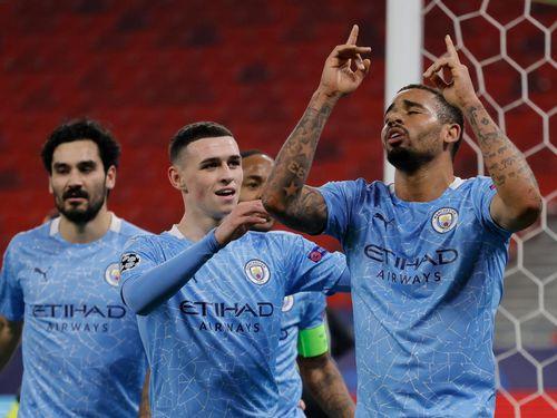 Thắng dễ Gladbach, Man City đặt một chân vào tứ kết Champions League