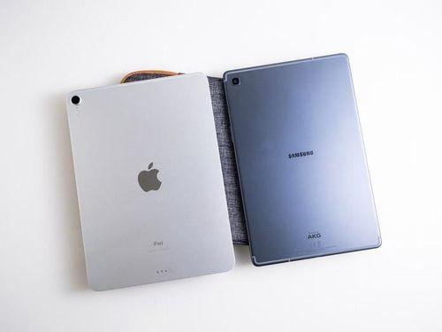 Mua máy tính bảng để học trực tuyến: Nên chọn iPad của Apple hay Samsung Galaxy Tab?