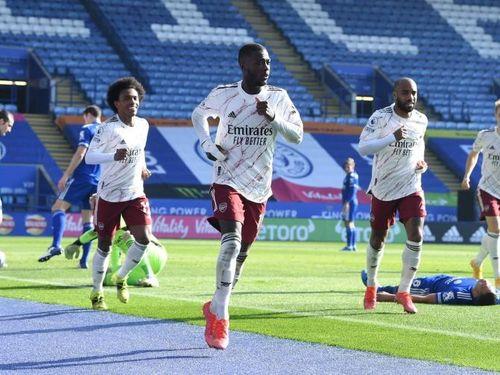 Arsenal thắng Leicester 3-1 trên sân khách
