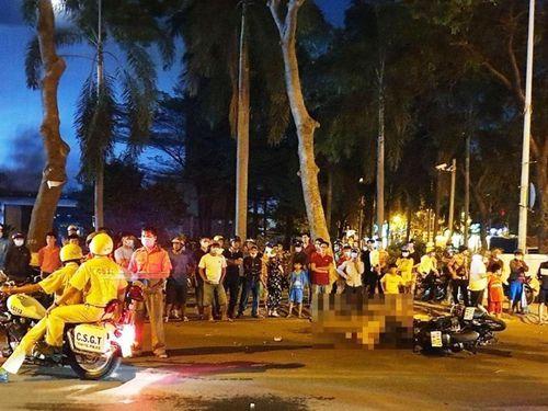 TP Hồ Chí Minh: 2 xe máy va chạm kinh hoàng, một người tử vong tại chỗ