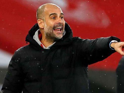 Pep Guardiola cấm cầu thủ Man City tự mãn
