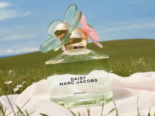 10 chai nước hoa có mùi hương ấn tượng, mới ra mắt năm 2021
