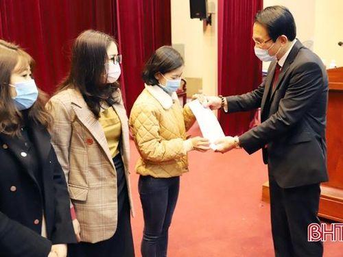Hà Tĩnh tuyển dụng được 827 giáo viên mầm non, tiểu học, THCS