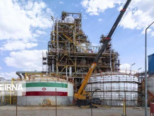 Iran mở 3 dự án dầu và hóa dầu tỷ đô trong bối cảnh chịu các lệnh trừng phạt kinh tế khắc nghiệt