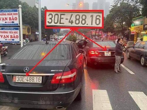 Hai xe Mercedes biển số giống hệt nhau: Một chủ xe chưa xuất trình được giấy tờ