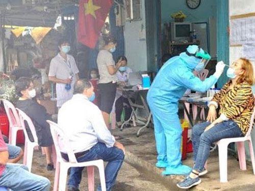 Thành phố Hồ Chí Minh: Hơn 20.000 mẫu xét nghiệm sàng lọc Covid-19 ngoài cộng đồng đều âm tính