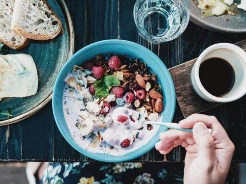 Hoạt động thể chất, ăn uống lành mạnh có lợi cho sức khỏe tâm thần