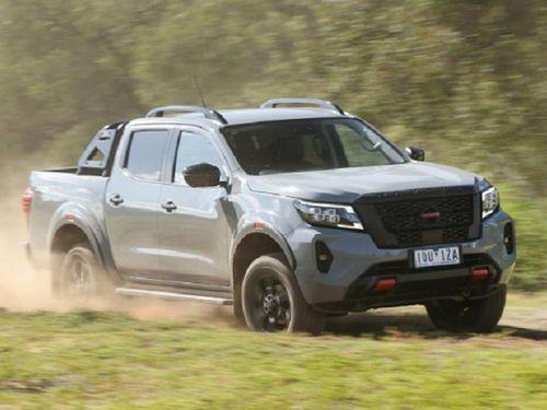 Nissan Navara 2021 từ 600 triệu đồng tại Úc, thêm cửa sổ trời